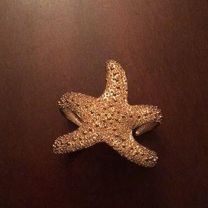 Jewelry - Beautiful Gold Starfish Bangle